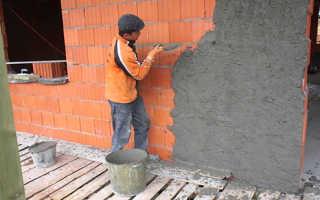 Как правильно штукатурить фасад дома из кирпича