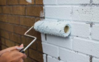 Как правильно покрасить дом кирпичный снаружи